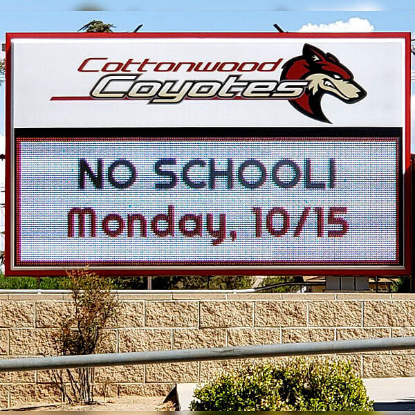 School Sign for Cottonwood Elementary