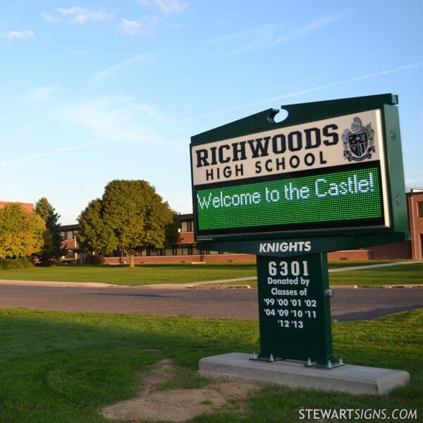 School Sign for Richwoods High School